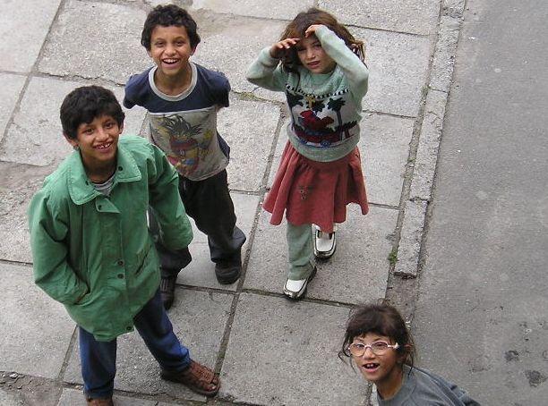 В Москве цыгане выходят попрошайничать с астраханскими детьми