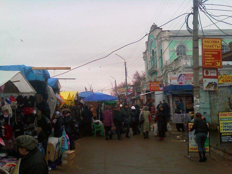 На рынке Большие Исады продавцов выгнали с парковки
