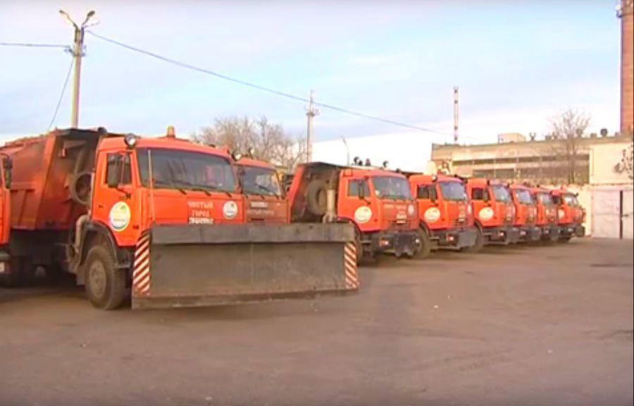 Для борьбы со снегом в Астрахани закупили 8 самосвалов