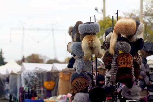 У незаконных торговцев в Астрахани начали изымать товар