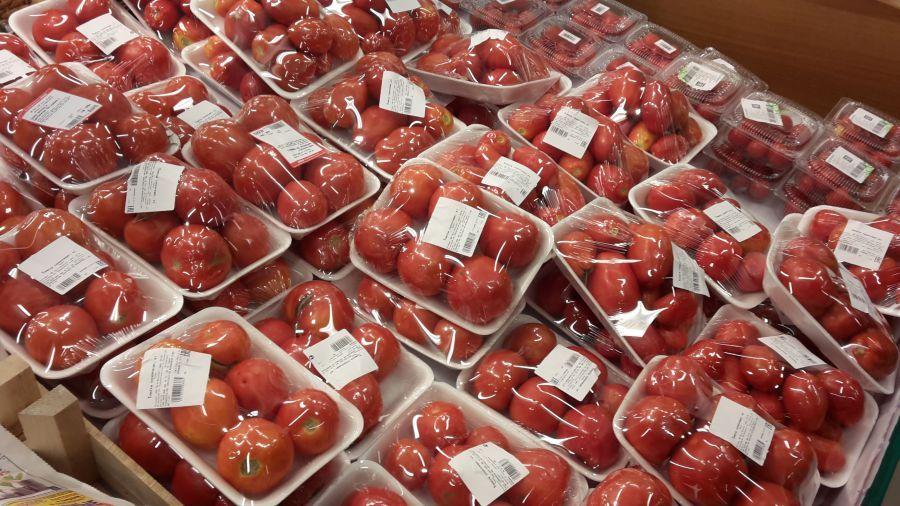Астраханцев обещают не оставлять без овощей и фруктов