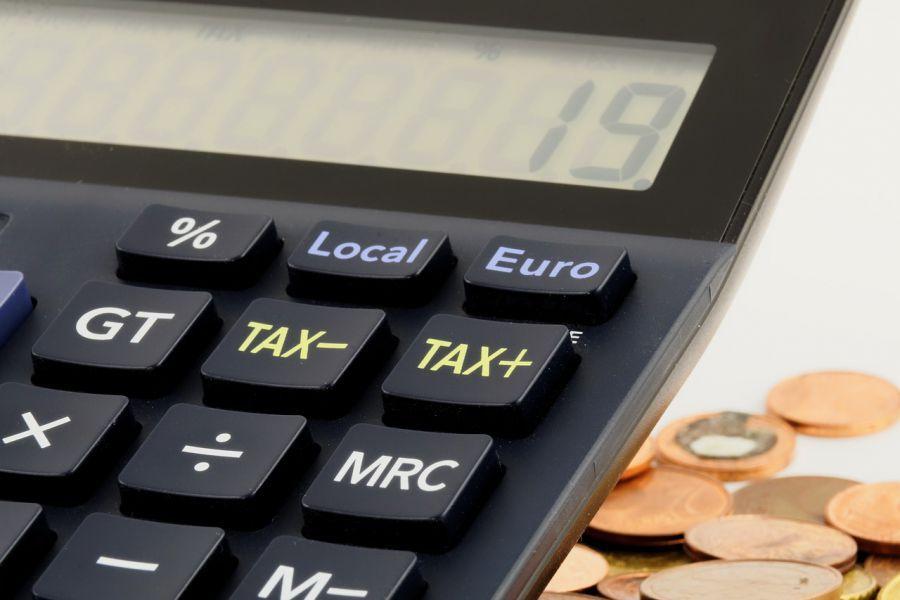 Астраханским предпринимателям решили поднять налоги
