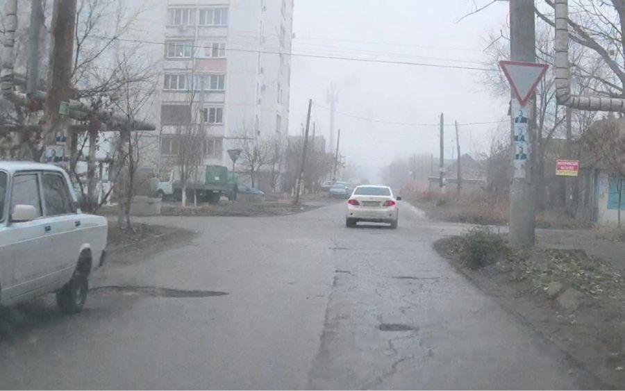 В Астрахани повесили новые дорожные знаки