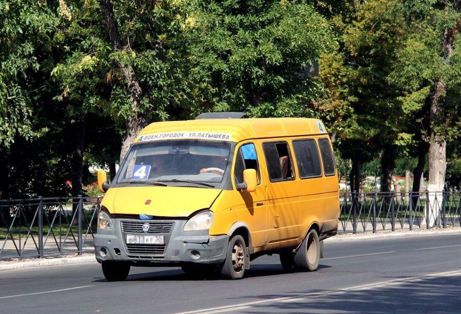 Астраханцев возят неопознанные маршрутки