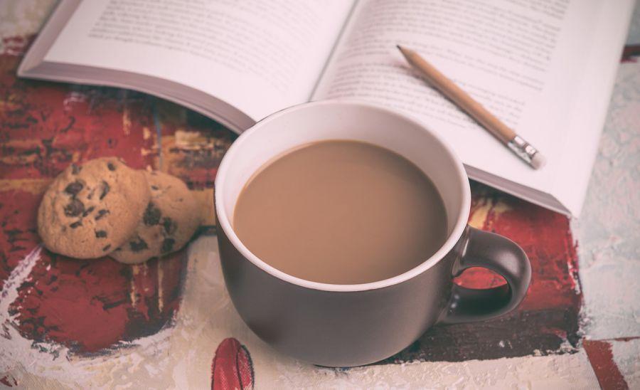 Читателям в астраханской библиотеке наливают по утрам