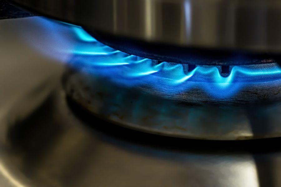 Астраханец накопил огромный счет за газ