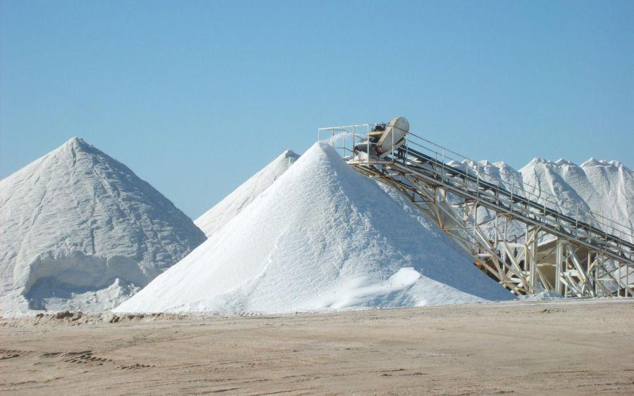 Астраханский губернатор попросил запретить украинскую соль