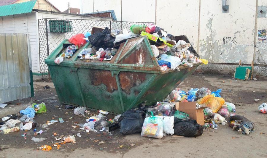 Контейнерным площадкам в Астрахани обещают «новый облик»