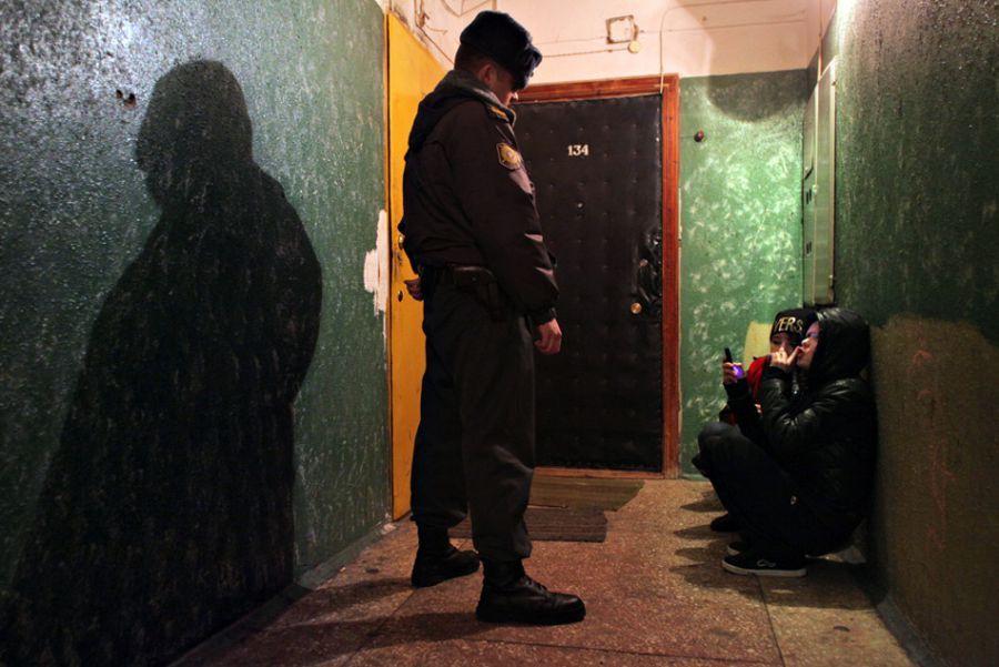 Полиция и дружинники защищают нравственность астраханских детей