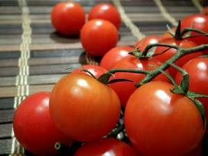 В Астрахань начали привозить иранские помидоры