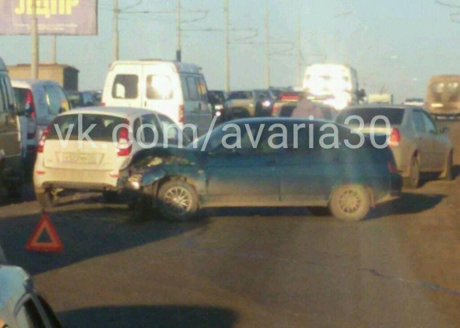 На Новом мосту в Астрахани крупная авария