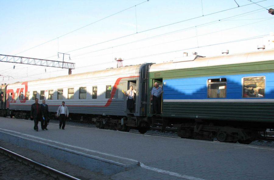 Через Астрахань начнет курсировать поезд Баку-Харьков