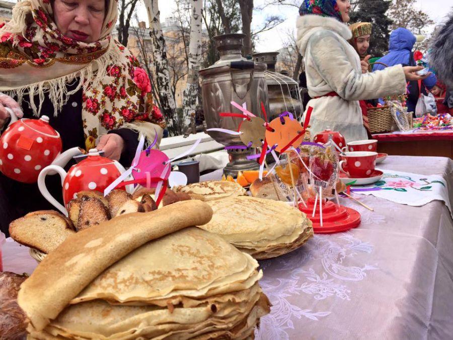 В Астрахани готовятся провожать Масленицу
