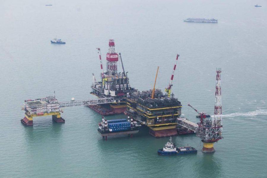 Нефтедобыча на месторождении им. Филановского должна начаться в августе 2016 года
