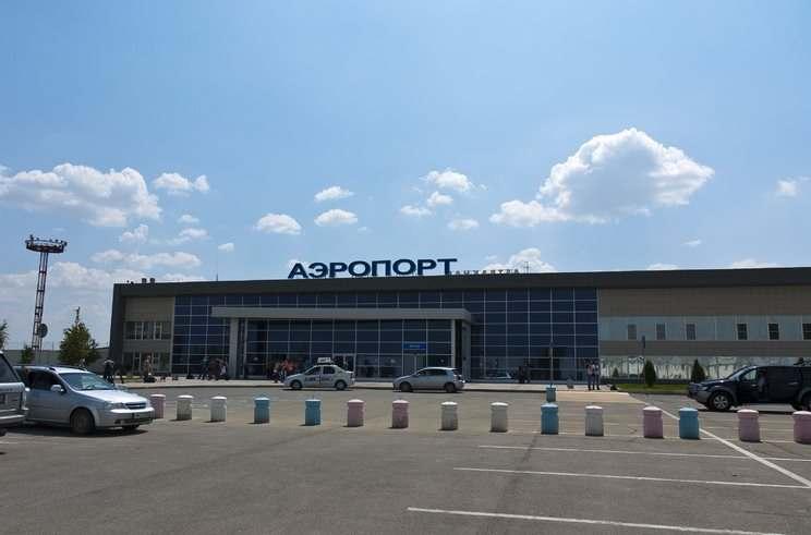 Ночной рейс садился в аэропорту Астрахань после отключения освещения