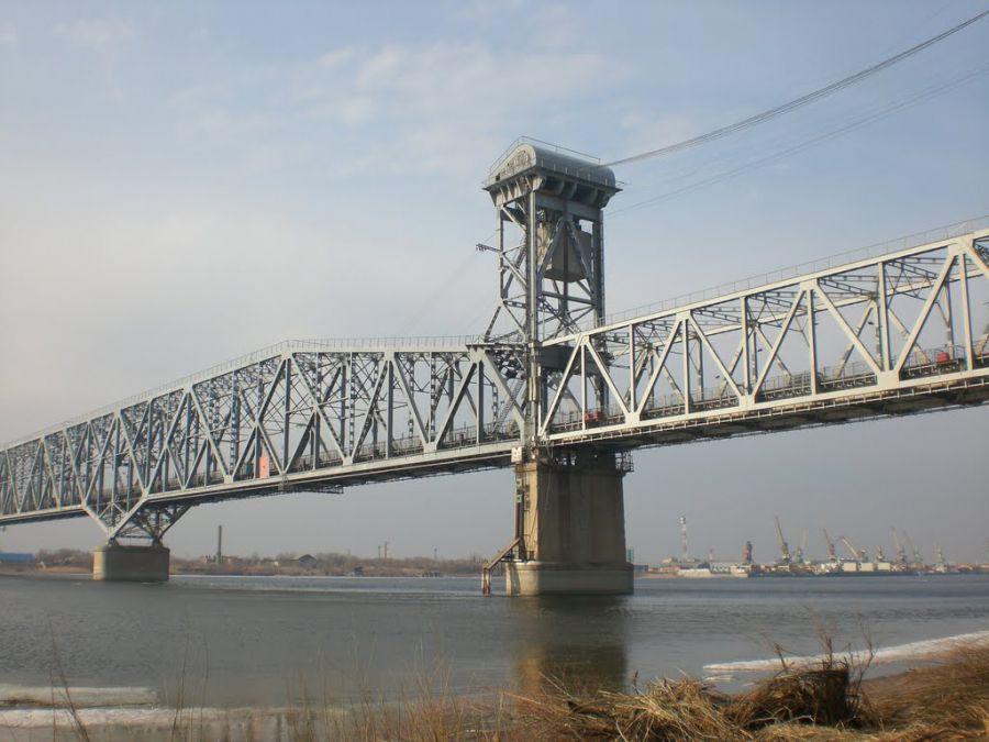 Астраханцы стали свидетелями самоубийства на Старом мосту
