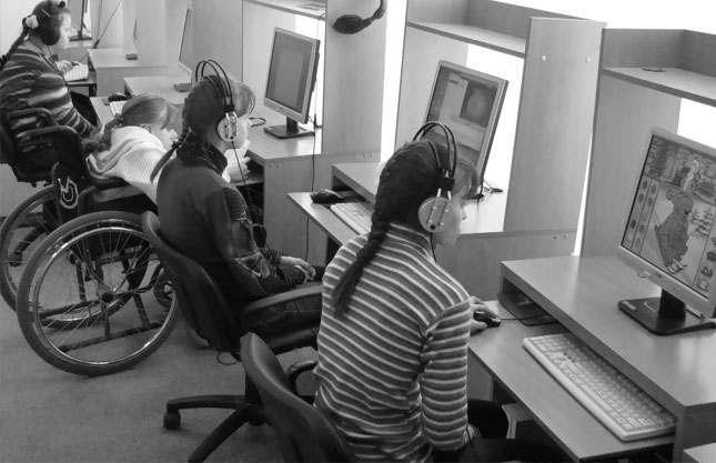 Меньше трети инвалидов смогли найти работу в Астрахани в 2015 году