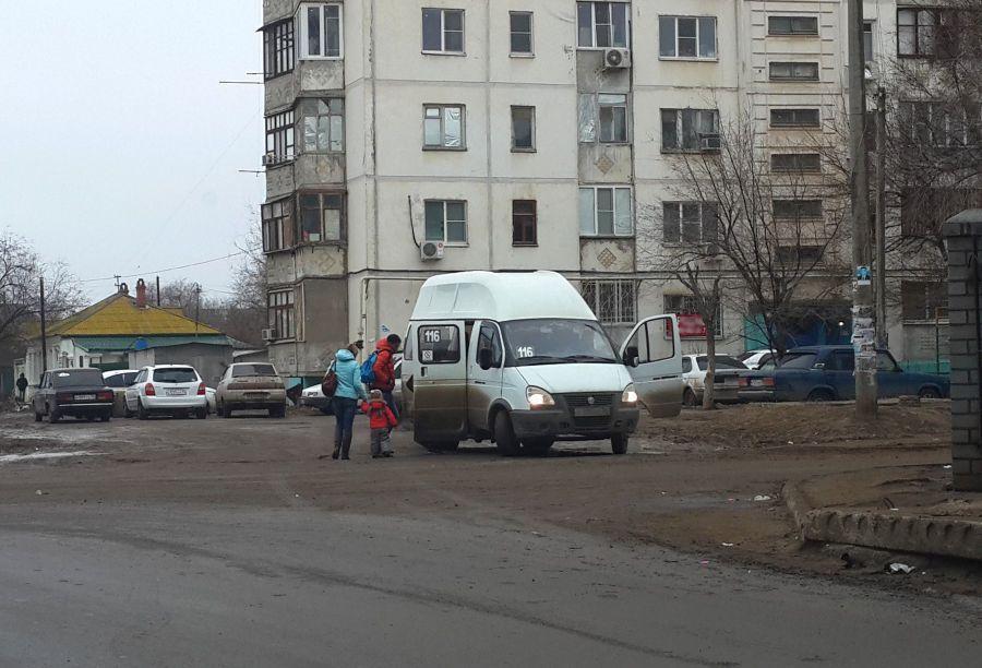 Астраханским маршруткам запретили ездить по улице Барсовой