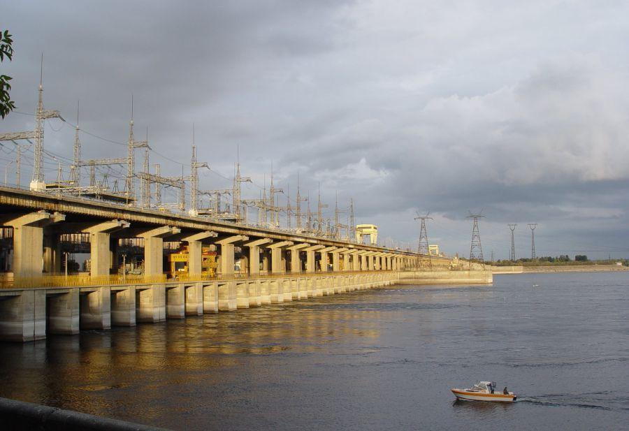 Высокий уровень сброса воды в дельту Волги продлят до 16 мая