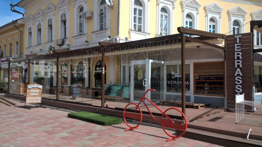 Астраханцы недовольны расползанием кафе напротив Братского сада