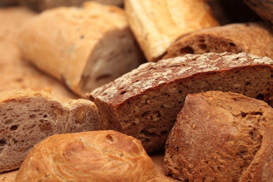 Астрахань заполонил некачественный хлеб