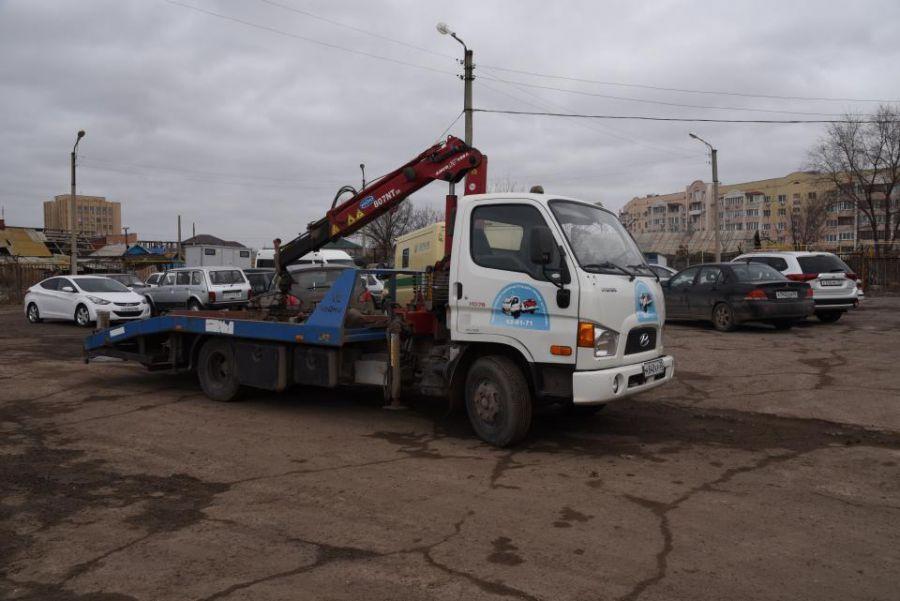 Неплательщиков в Астрахани ищут на парковках