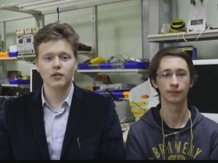 Астраханские школьники создали управляемого силой мысли робота