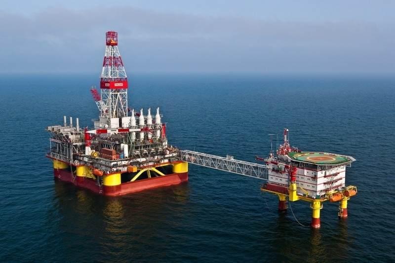 «Лукойл» инвестирует 882 млрд рублей в месторождение на Каспии