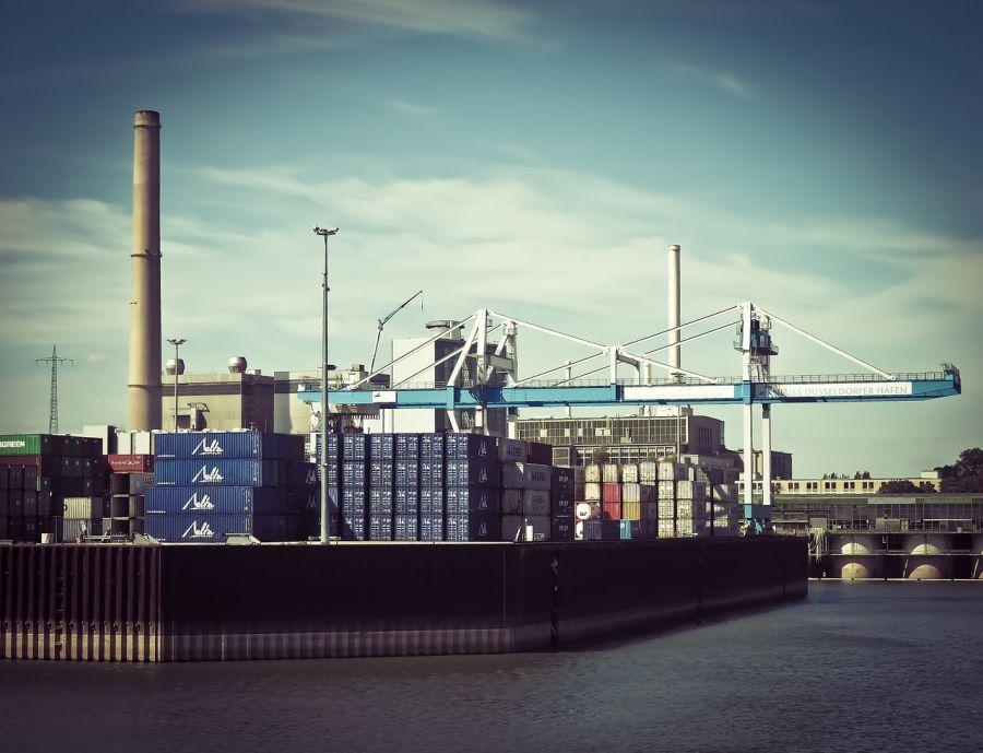 Иранской компании разрешили купить астраханский порт