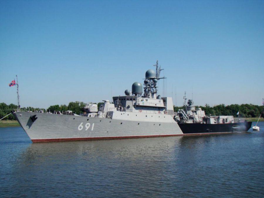 Путин наградил моряков Каспийской флотилии