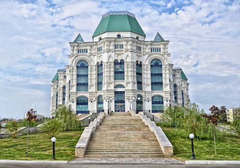 Астраханскому Театру Оперы и Балета потребовался капитальный ремонт кровли
