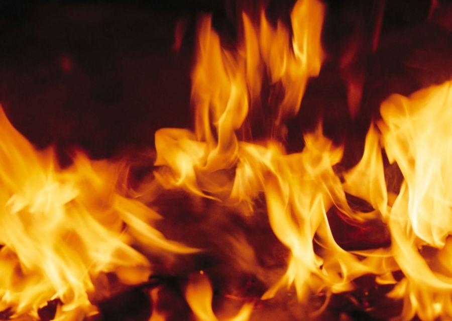 В Астрахани загорелся газопровод