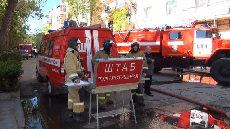В Астрахани загорелось здание кинотеатра Иллюзион
