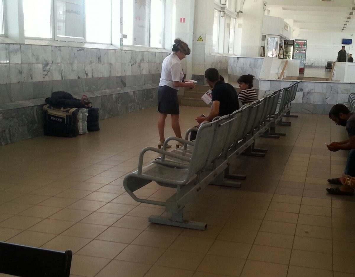 На вокзалах Приволжской магистрали раздали 3 тысячи листовок «Стоп ВИЧ/СПИД»