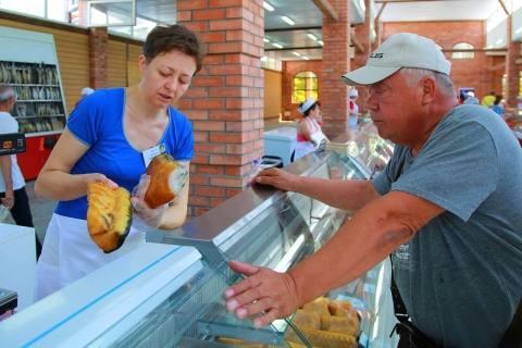 Астраханским дачникам предоставили бесплатные торговые места
