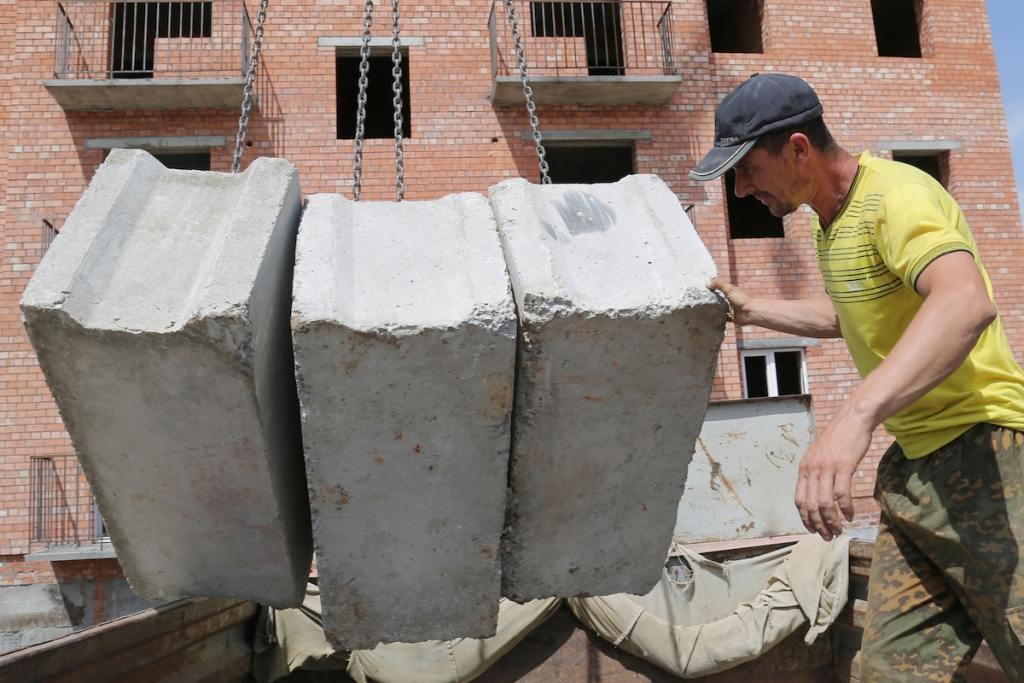 Астраханские строители потребовали покончить с «заказными конкурсами»