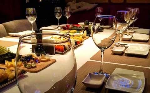 Астраханцы стали меньше пить и ходить в рестораны