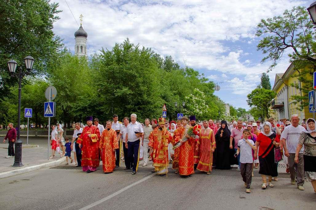 Завтра из-за Крестного хода перекроют центр Астрахани