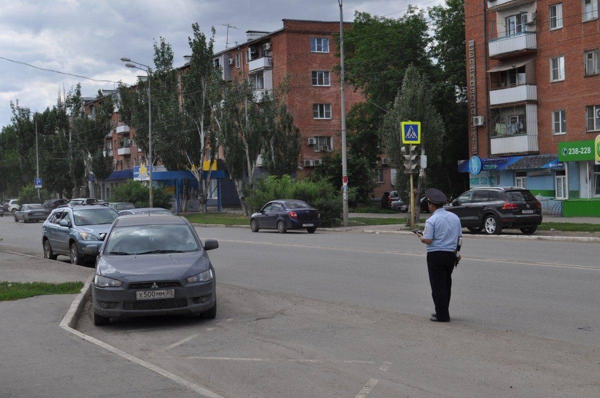 Астраханские полицейские оштрафовали каждого второго таксиста
