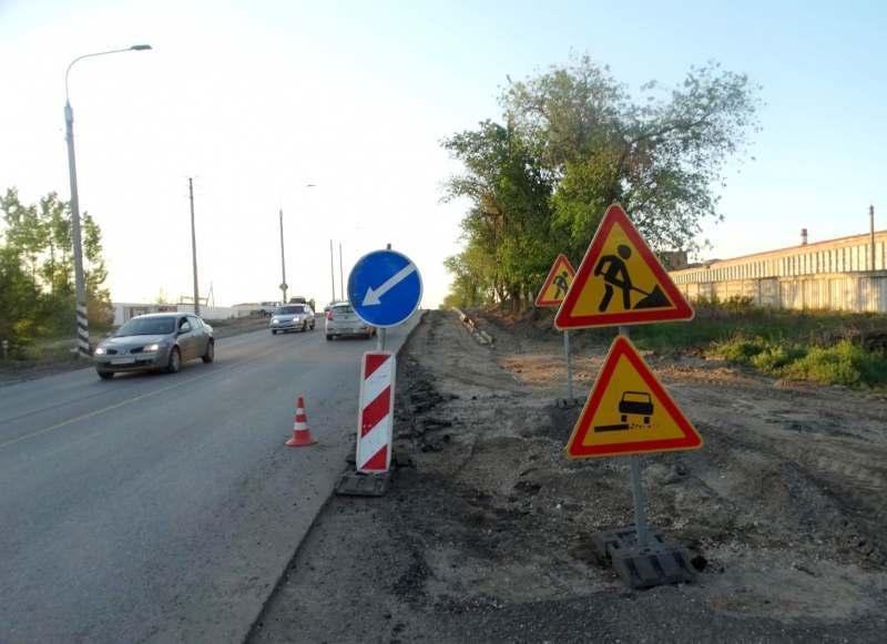 В Астрахани водитель сбил дорожного рабочего и уехал