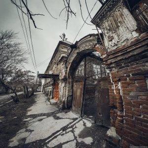 Жителям старинных домов Астрахани выставили большой счет за капремонт