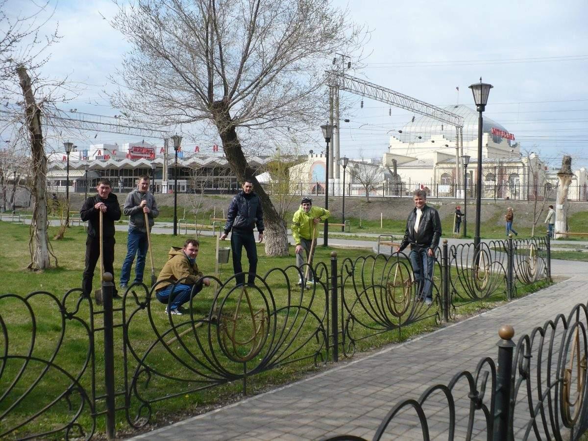 Железнодорожники высадили более 2 тыс. деревьев в Астраханской области
