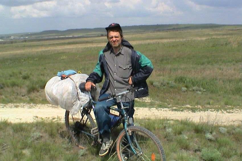 Велосипедист из Волжского изъездит всю Астраханскую область