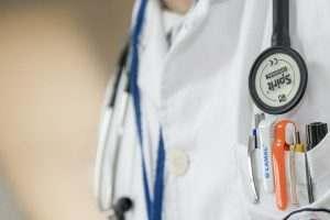 Астраханские хирурги вырезали пятикилограммовую миому у женщины
