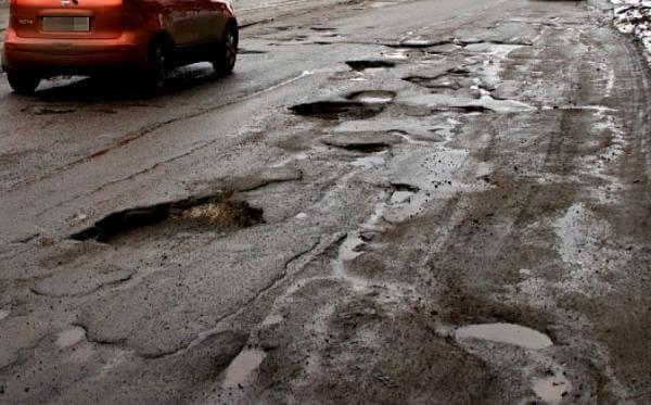В Володарском районе часть дорог в кошмарном состоянии
