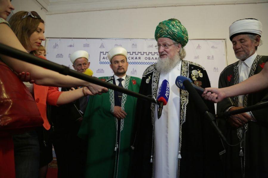 Мусульманам Астраханской области представили нового духовного лидера