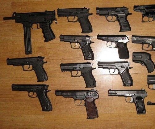 Астраханцы добровольно сдали оружие