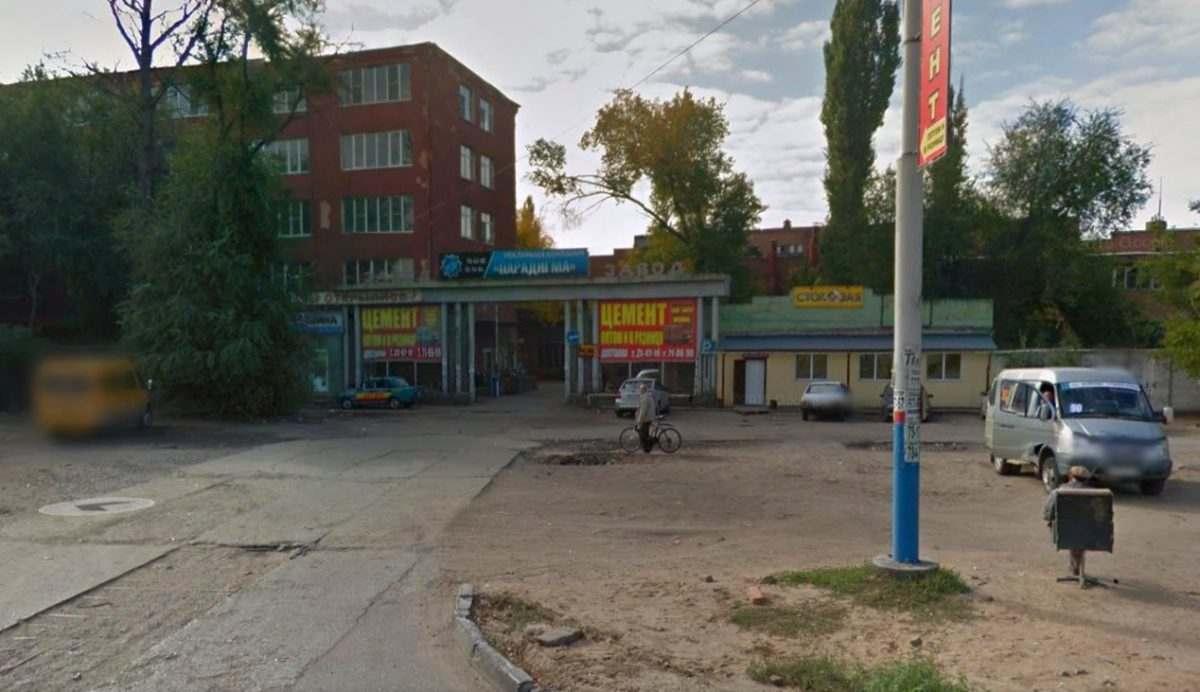 В Астрахани устроили официальную свалку в жилой зоне