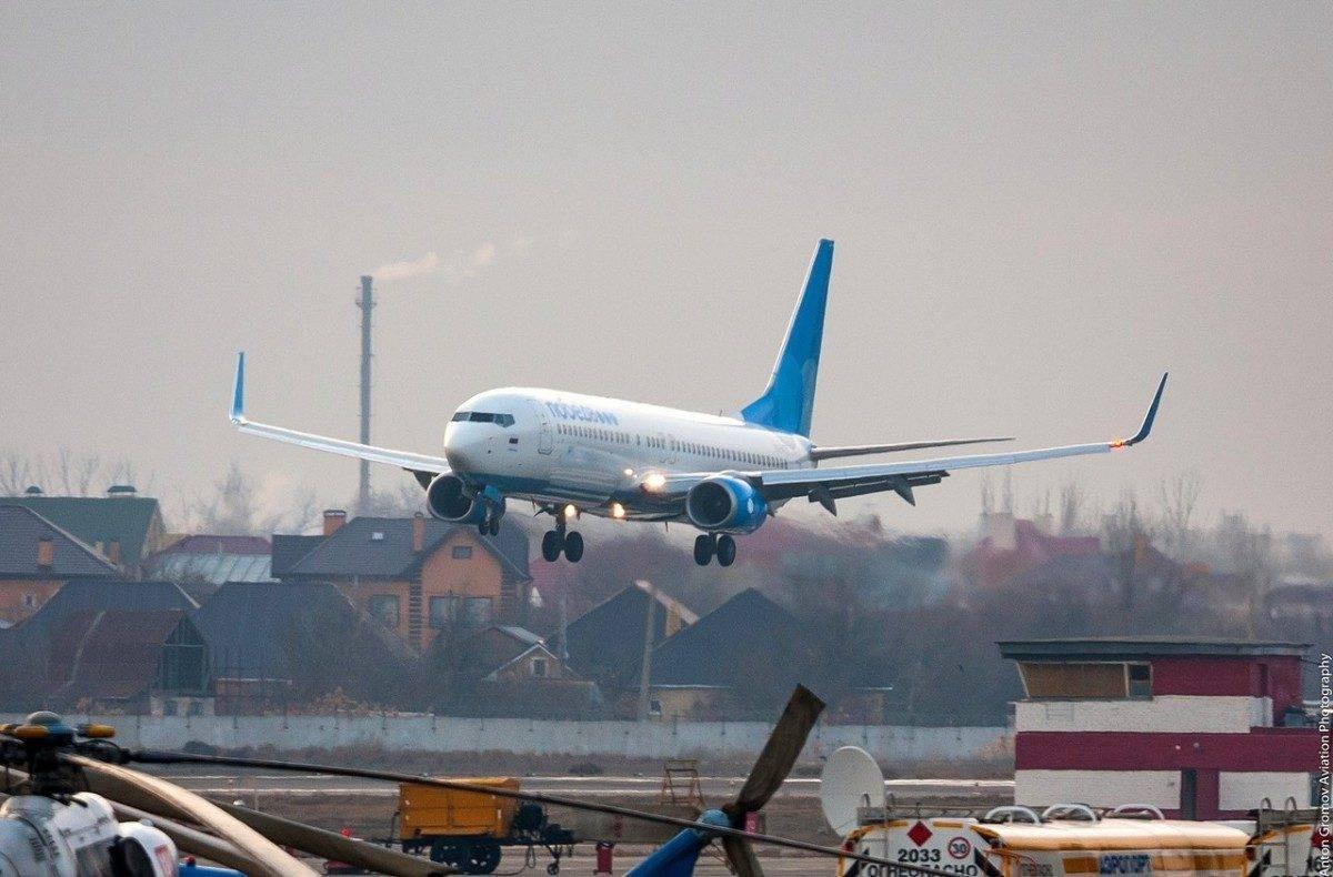 Самолет из Москвы не смог вылететь в Астрахань из-за неисправности