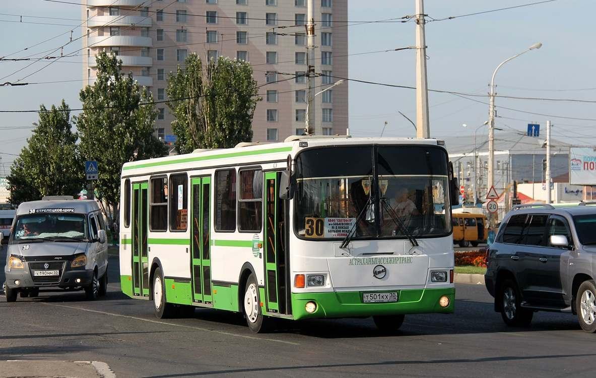Астрахань может остаться без автобусов большой вместимости